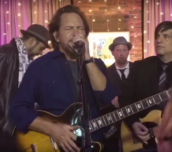Eddie Vedder | 21/4/2018 Tribeca Grill, NYC (w/ Danny Clinch's Tangiers Blues Band)