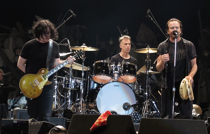 Jack White covers Pearl Jam in Seattle