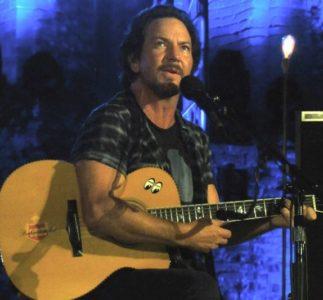 Dear Mind: Eddie Vedder e Judd Apatow tributano Garry Shandling