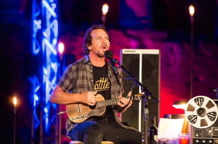 Eddie Vedder Solo Stuff: Testi