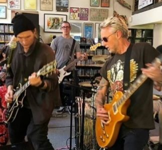 Mike McCready | 13/04/2019, Fingerprints Music, Long Beach, CA (Record Store Day)