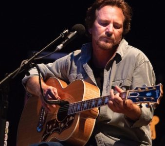 Eddie Vedder: è iniziato il tour europeo