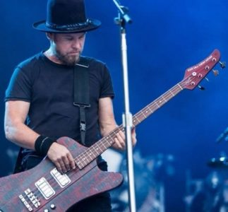 Gone to Heaven: Jeff Ament collabora con i Pixies per uno skate