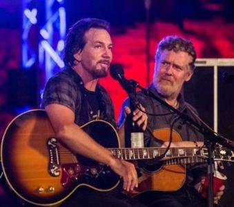Glen Hansard sulla possibilità di fare un disco insieme a Eddie Vedder