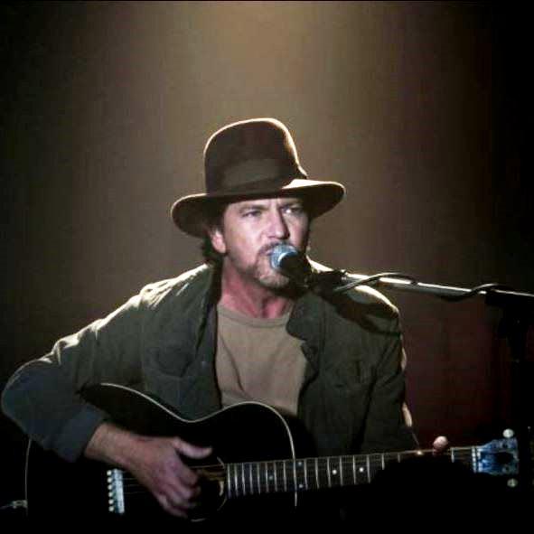 Eddie Vedder e Twin Peaks: La storia dietro Out of Sand