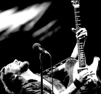 Eddie Vedder compie 55 anni: il nostro omaggio al cantante dei Pearl Jam