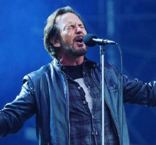 Pearl Jam's new album in theaters on March 25?