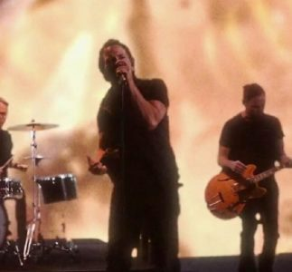 Pearl Jam: the official video of Dance Of The Clairvoyants
