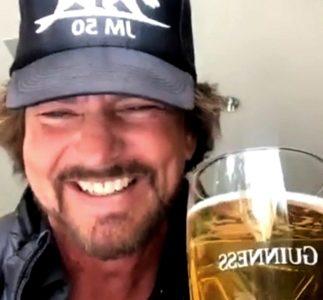 Eddie Vedder fa gli auguri a Glen Hansard su Instagram