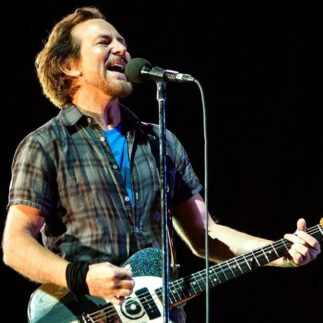 Eddie Vedder dal vivo (da casa sua) all'evento One World: Together At Home