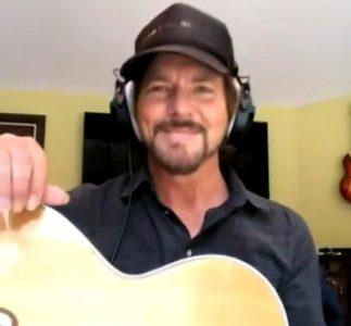 Eddie Vedder e il tributo nascosto a Neil Young al Kōkua Festival