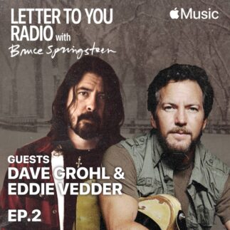 Eddie Vedder e Dave Grohl in Letter To You Radio di Bruce Springsteen