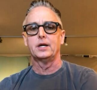 Mike McCready, Jeff Ament & Stone Gossard interviewed on NBC10 Philadelphia & Q1043