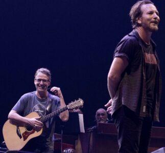 """Stone Gossard: """"Mi piacerebbe scrivere 50 canzoni all'anno con Eddie Vedder…"""""""