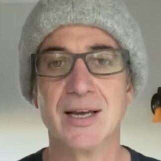 Stone Gossard invita a installare l'app WA Notify