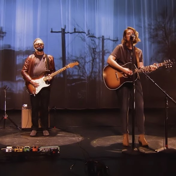 Brandi Carlile e Mike McCready | 01/12/2020 Peace Through Music