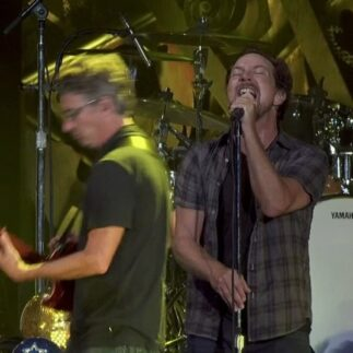 Pearl Jam | 18/03/2021 Band Together WA