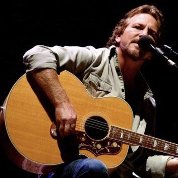 Eddie Vedder: la tracklist di Flag Day, con Glen Hansard, Cat Power e Olivia Vedder