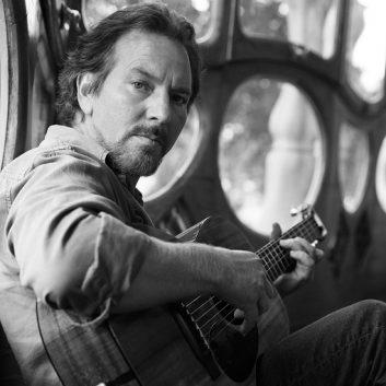 Eddie Vedder's Long Way: lyrics, track credit and chords