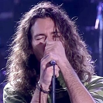 The Doors' Robby Krieger talks about Eddie Vedder